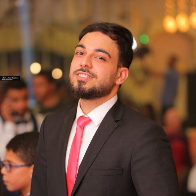 صورة د. أحمد طارق